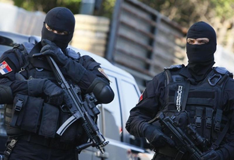 В Сербии мужчина устроил стрельбу в кафе, есть погибшие