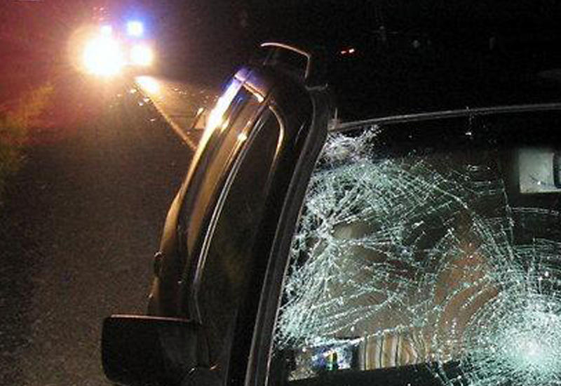 Водитель в Баку сбил пешеходов и скончался