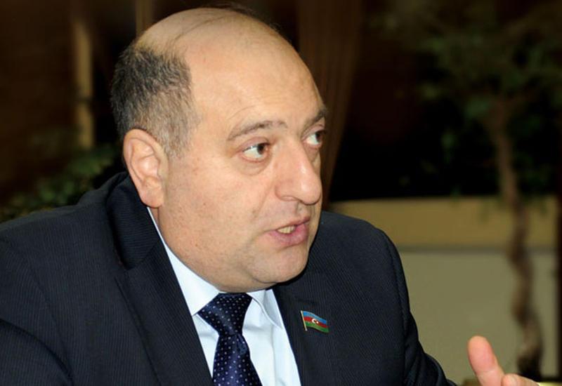 """Муса Гулиев: Утверждение """"дорожных карт"""" служит развитию ненефтяной экономики"""