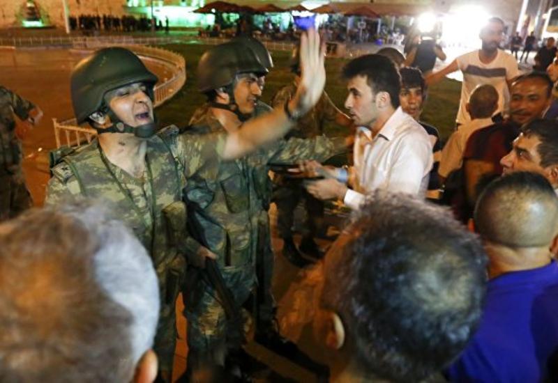 Названо точное число военных, участвовавших в мятеже в Турции