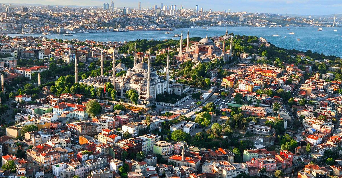 ВСтамбуле после рейдов в44 компаниях арестованы 120 менеджеров
