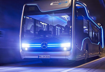 """Автобус Mercedes-Benz проехал 20 км без водителя <span class=""""color_red"""">- ВИДЕО</span>"""