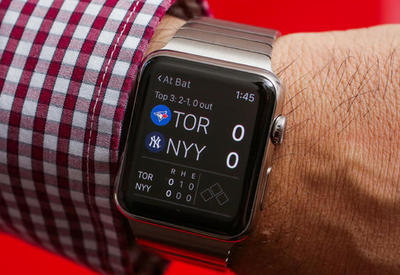 Продажи Apple Watch сильно упали