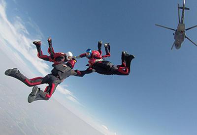 """Вот как проходит чемпионат мира по парашютному спорту среди военных <span class=""""color_red"""">- ВИДЕО</span>"""