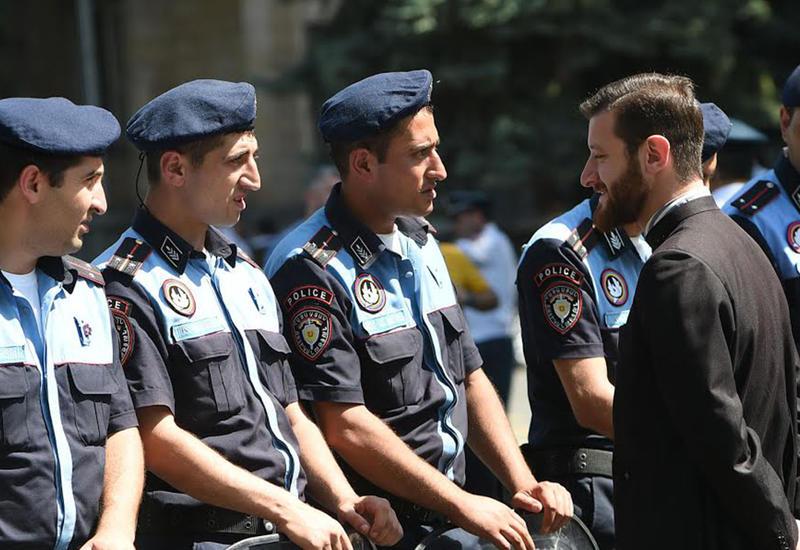 В армянской власти наметился раскол