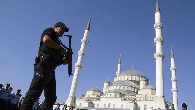 Turkish Airlines уволила более 200 сотрудников после путча
