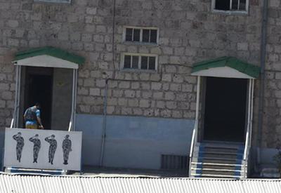 В Ереване власти разбрасывают листовки