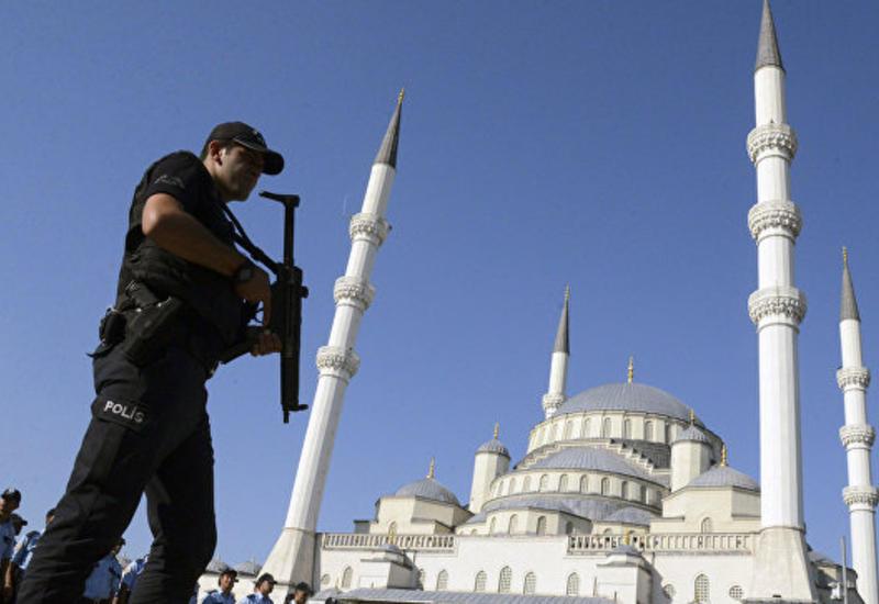 В Турции закроют компании, связанные с деятельностью Гюлена