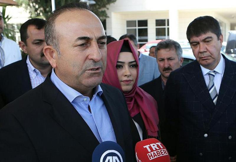 Чавушоглу: Один из турецких дипломатов сбежал в другую страну