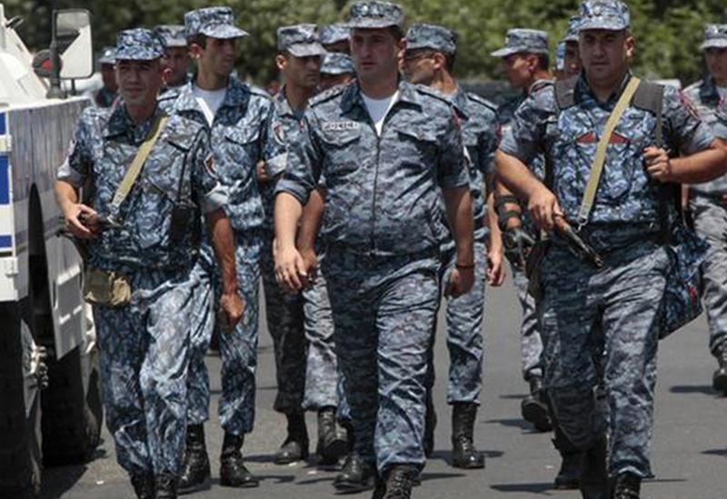 В Ереване взяты в заложники дети оппозиционеров