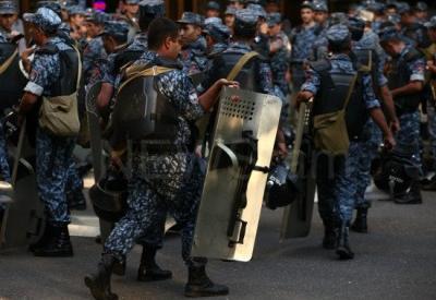 """Полиция стягивает новые силы против демонстрантов в Ереване <span class=""""color_red"""">- ФОТО</span>"""