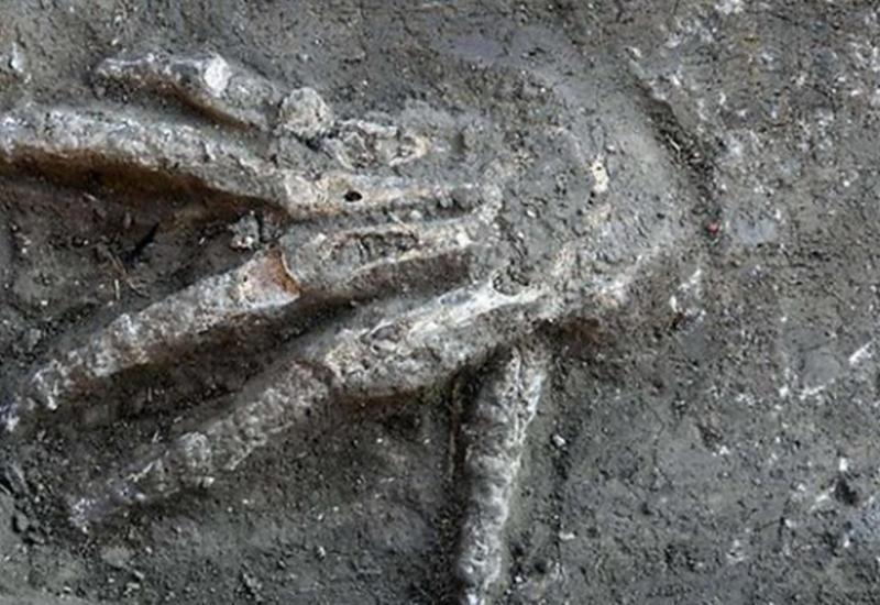 Армяне грабят разрушенный Агдам