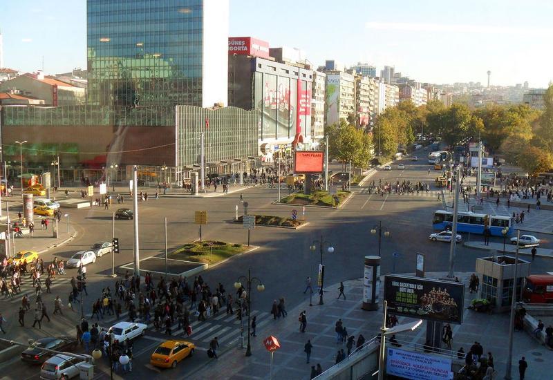 Центральную площадь Анкары переименуют в честь победы над мятежниками