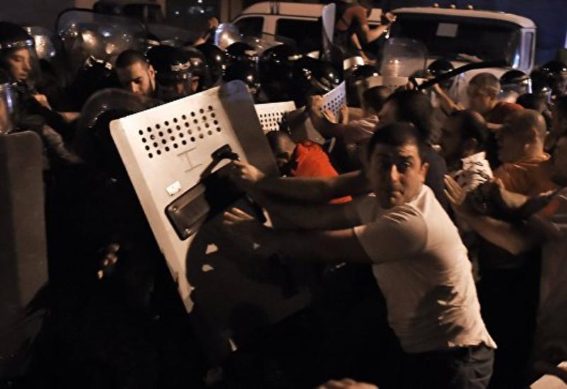 В Ереване полицией задержаны около 30 человек