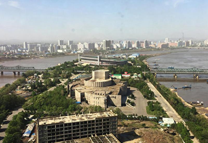 Северная Корея сплавила по реке пропагандистские листовки