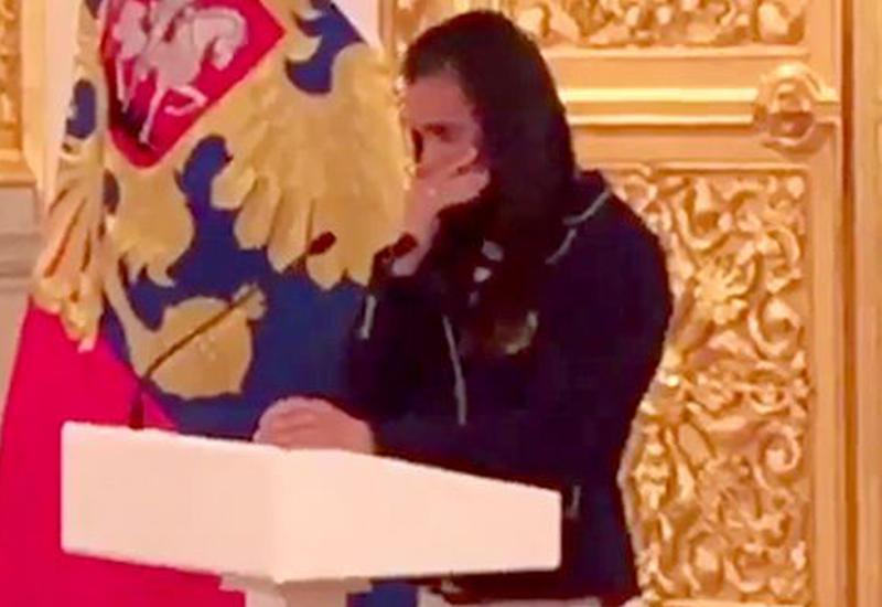"""Исинбаева рассказала, что ее довело до слез на встрече с Путиным <span class=""""color_red"""">- ВИДЕО</span>"""
