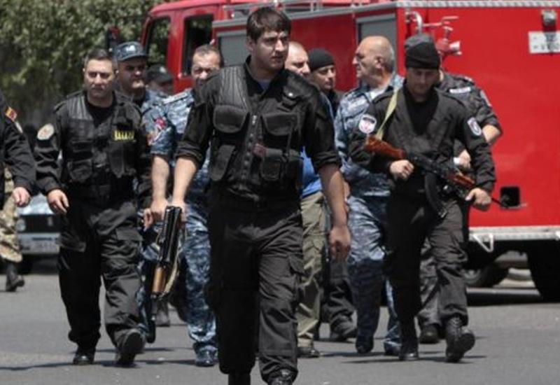 Стрельба в Ереване: ранены еще два террориста