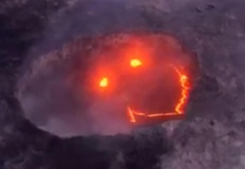 """Зловещая улыбка лавы в вулкане на Гавайях поразила пользователей <span class=""""color_red"""">- ВИДЕО</span>"""