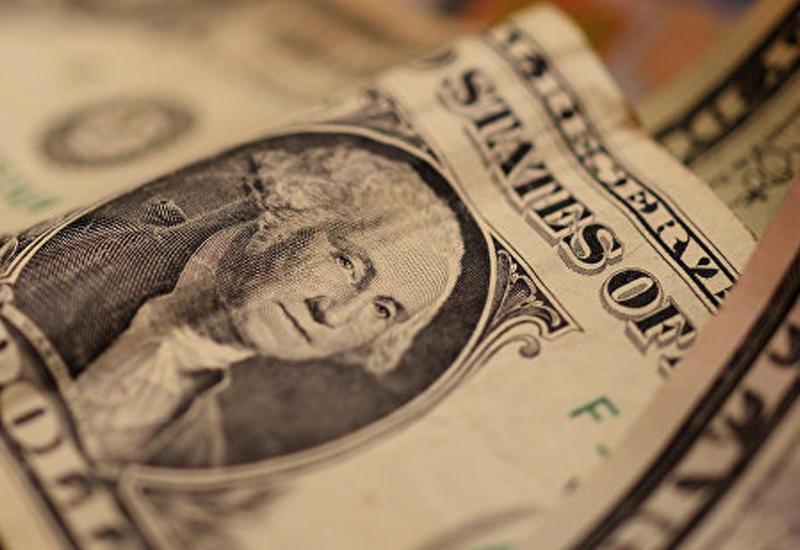 Доллар стремительно дешевеет
