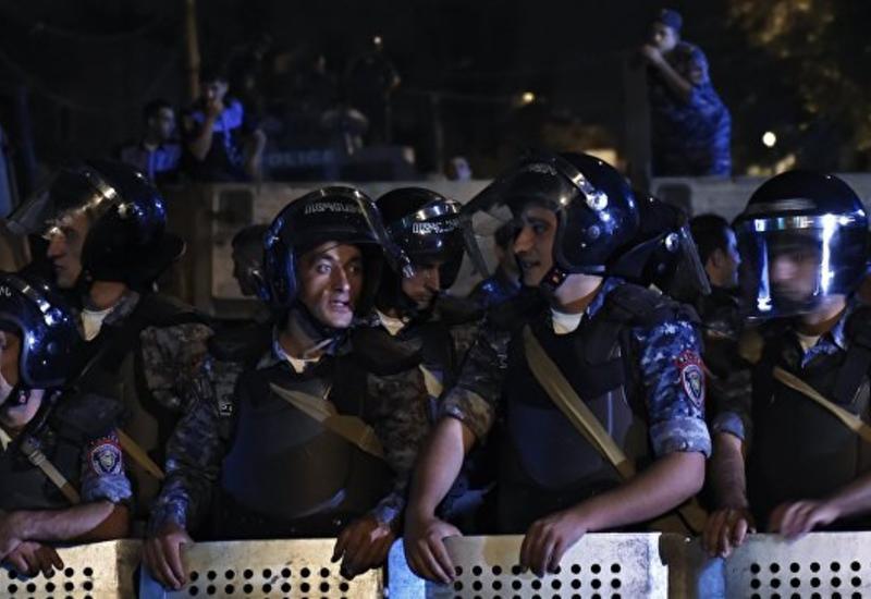Евросоюз призвал отпустить заложников в Ереване