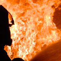 Сильный пожар в магазине в Баку