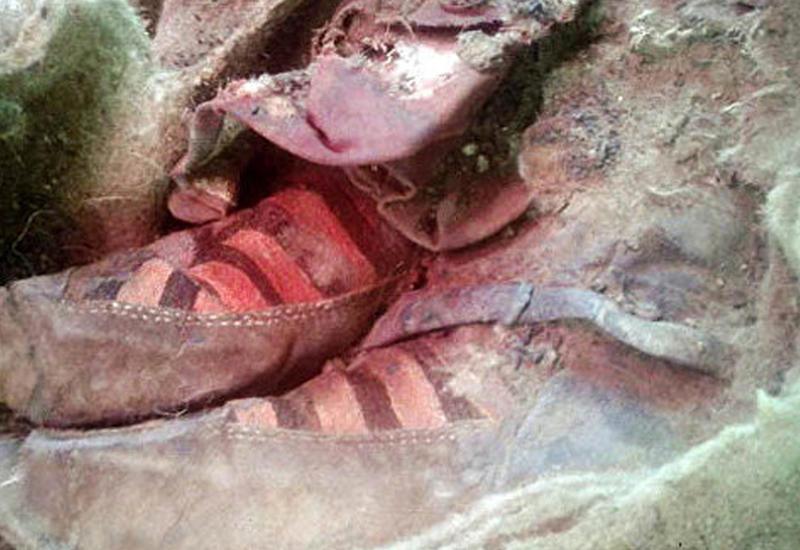 """В горах Алтая нашли 1500-летнюю мумию в """"кроссовках Adidas"""" <span class=""""color_red"""">- ФОТО</span>"""