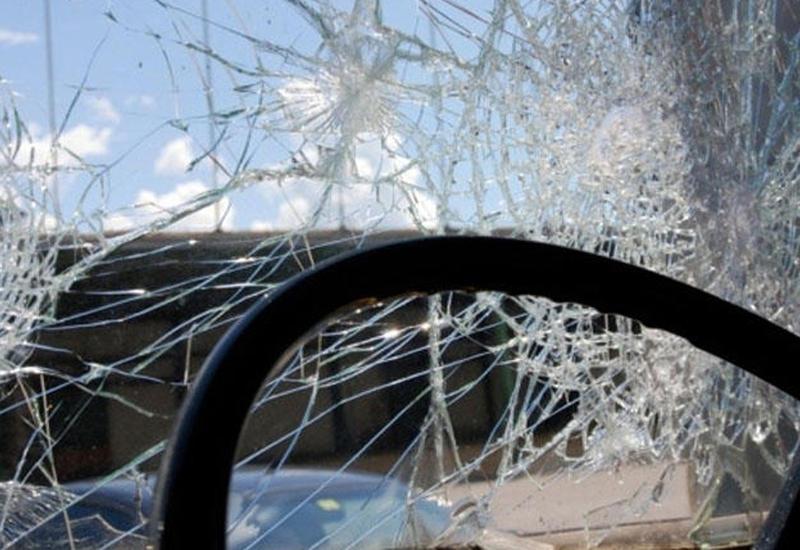 Bakıda qəza: sürücü ağır yaralandı