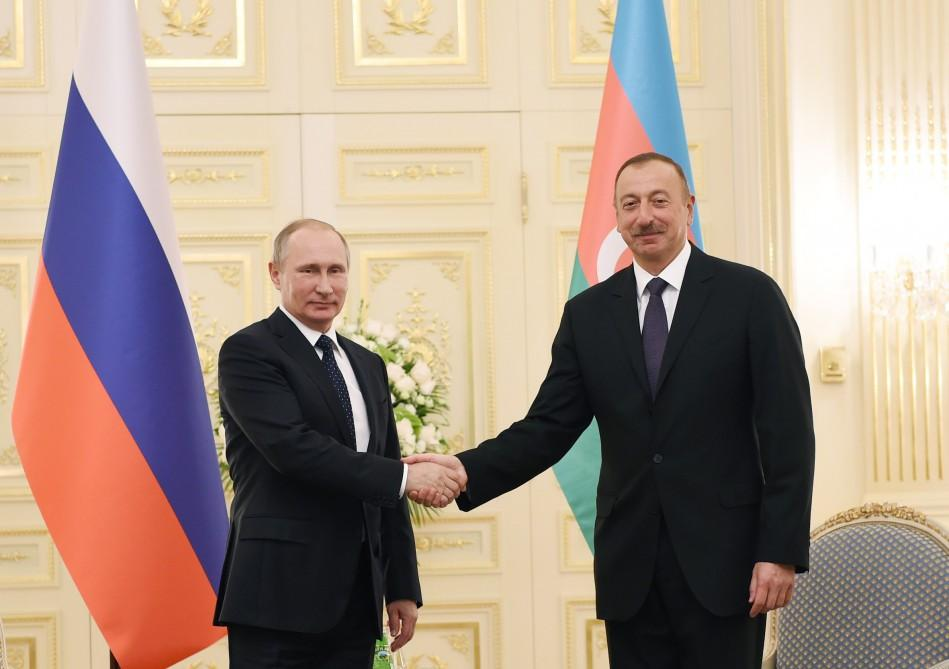 Президент РФ прибыл встолице Азербайджана