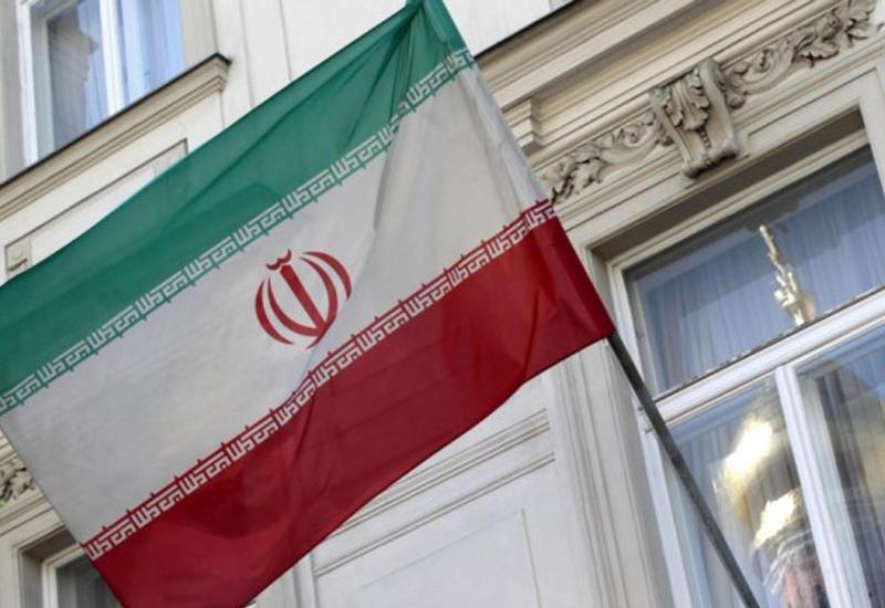 Иран ввел в обращение кредитные карты