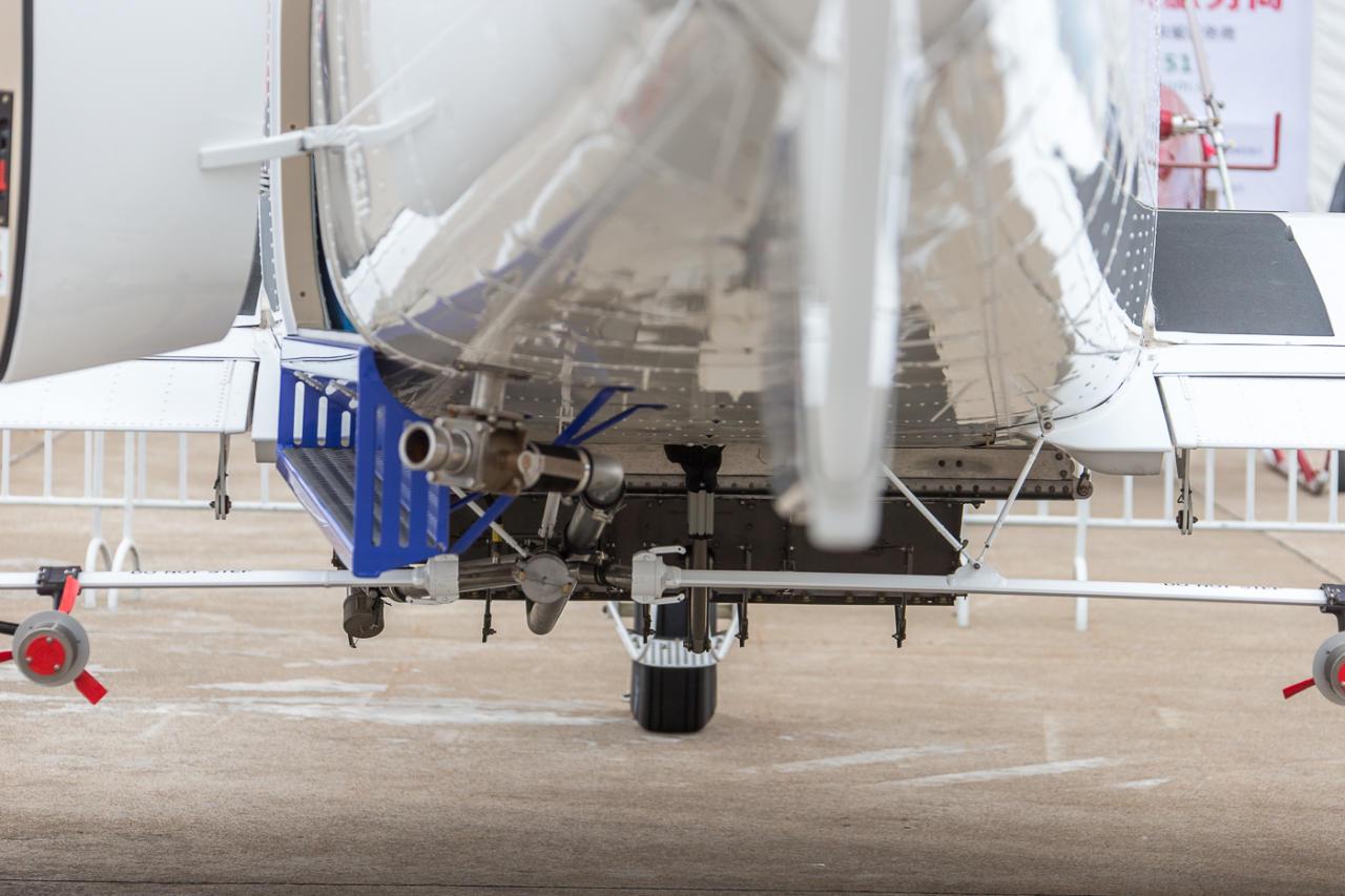 ВМадриде опоздавший нарейс пассажир пытался догнать самолет