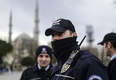 Масштабная полицейская операция в Стамбуле, более 100 задержанных
