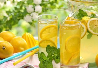 """Три освежающих летних лимонада <span class=""""color_red"""">- ВИДЕО</span>"""