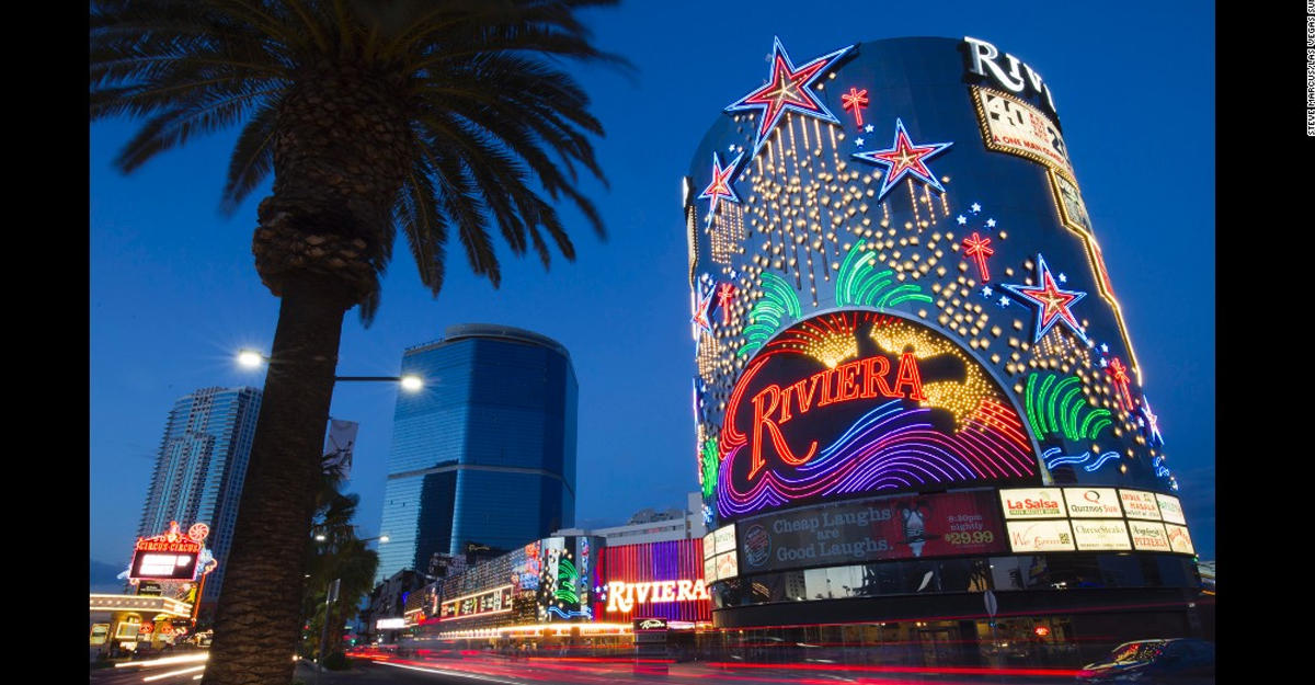 Легендарное казино Riviera вЛас-Вегасе взлетело навоздух