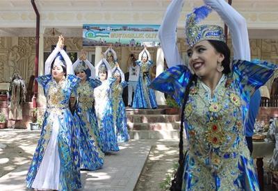 "Успех Карабахских нарядов в Узбекистане <span class=""color_red"">- ФОТО</span>"