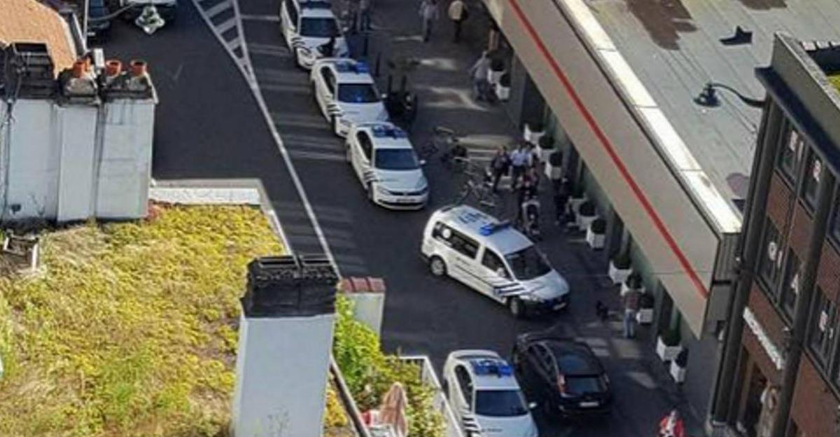 Женщина смачете напала напассажиров автобуса вБельгии