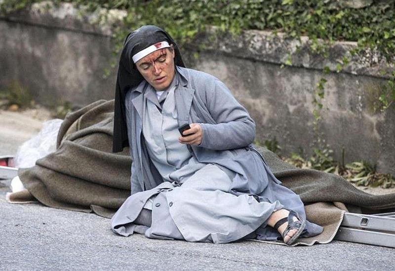 """Трагедия в Италии, 247 погибших, еще одно землетрясение <span class=""""color_red"""">- ОБНОВЛЕНО - ФОТО - ВИДЕО</span>"""