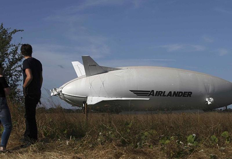 """Крупнейшее в мире воздушное судно разбилось в Англии <span class=""""color_red"""">- ВИДЕО</span>"""