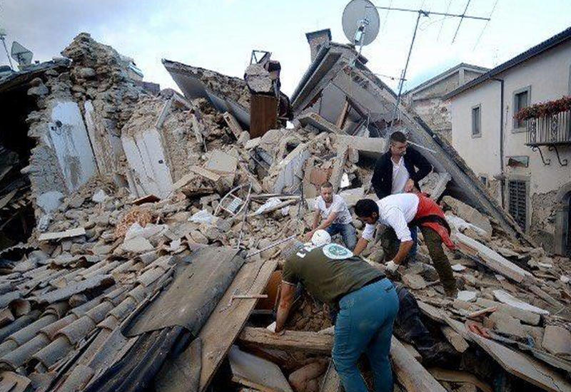 """Мощное землетрясение в Италии разрушило город, есть жертвы <span class=""""color_red"""">- ОБНОВЛЕНО - ФОТО - ВИДЕО</span>"""