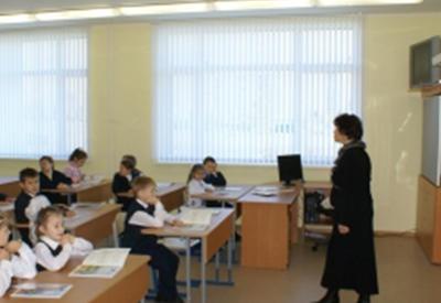 В Армении школьных учителей выбрасывают на улицу