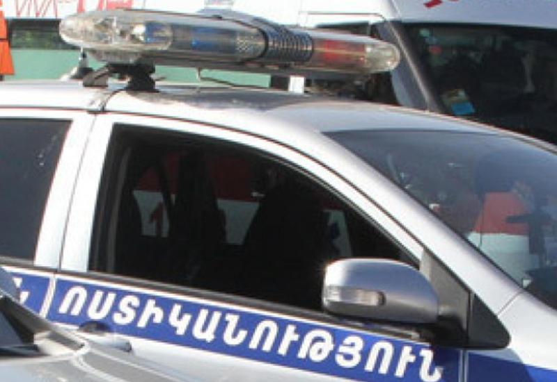 Ереванские полицейские обобрали гражданина Ирана