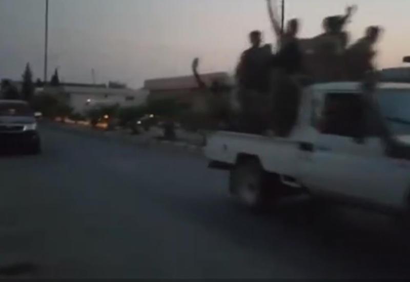 """Боевики """"ИГ"""" бегут от турецкого спецназа, освобождившего сирийский город <span class=""""color_red"""">- ВИДЕО</span>"""