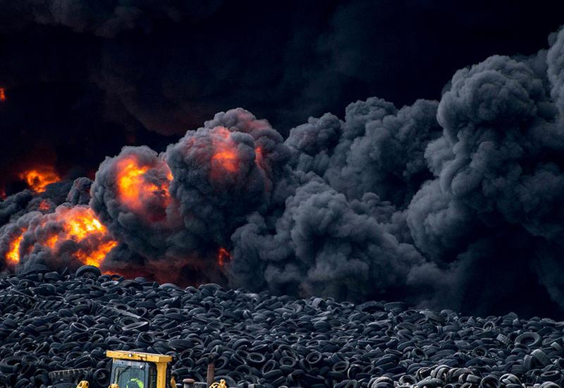 Сильный пожар на испанском заводе