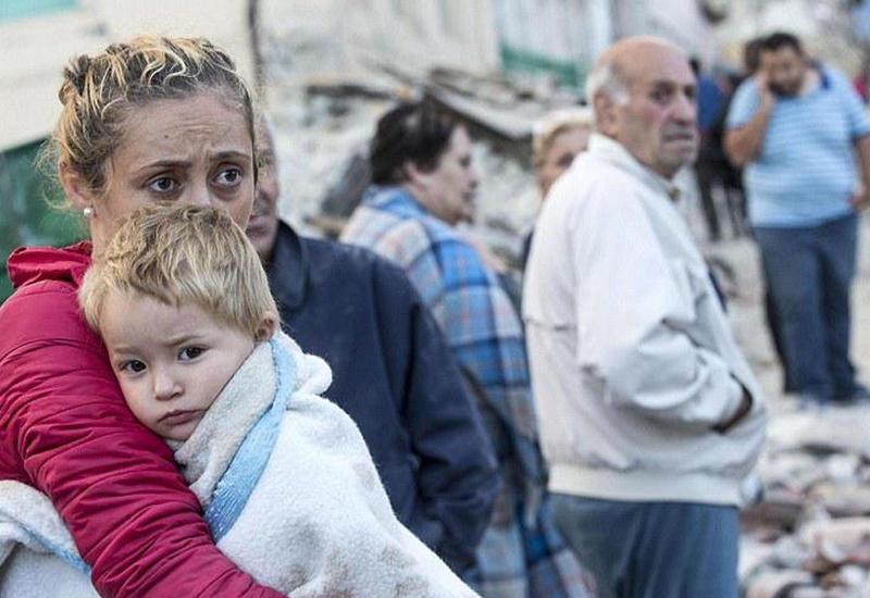 Из-под завалов в Италии извлекают трупы: 267 погибших