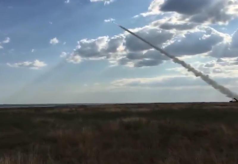 """В Украине испытали новейшую ракету <span class=""""color_red"""">- ВИДЕО</span>"""