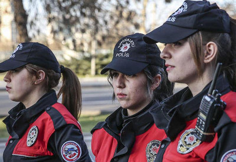 В Турции женщины-полицейские смогут носить хиджаб