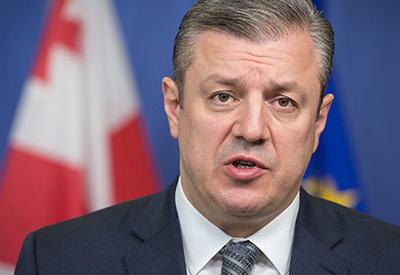 Премьер Грузии навестил отравившихся азербайджанцев