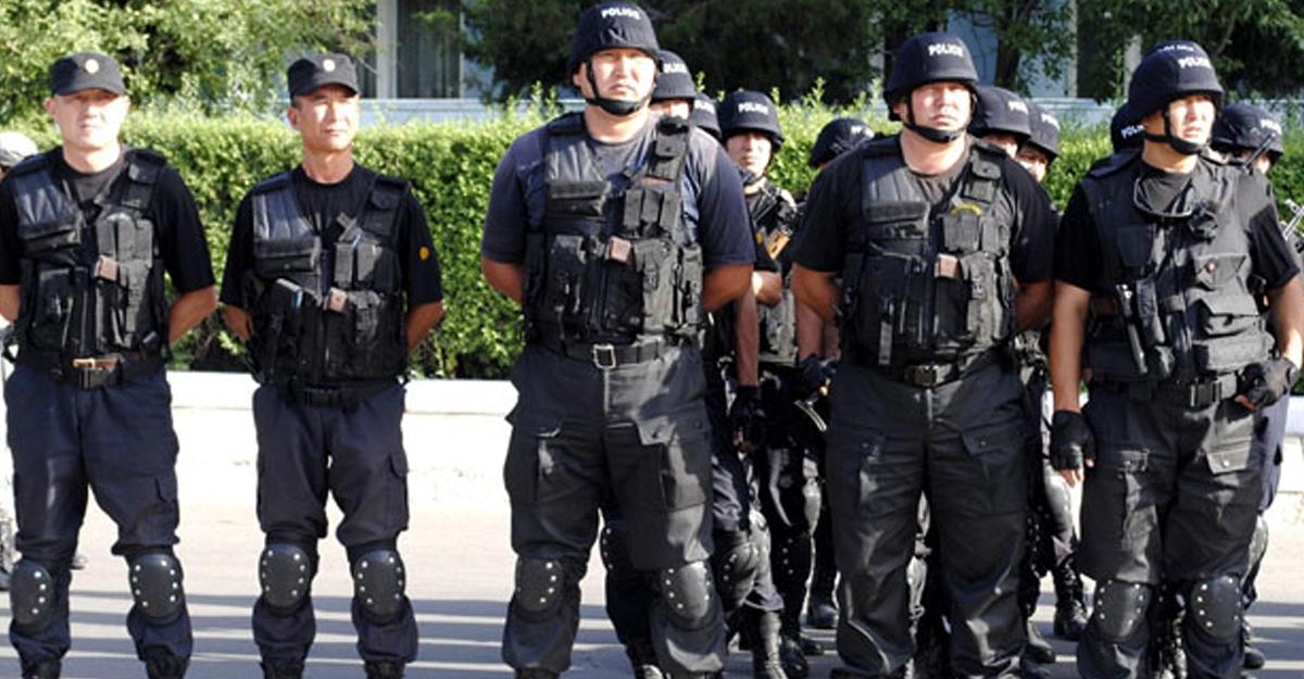 Ворота посольства Китайская народная республика вБишкеке протаранил террорист-смертник