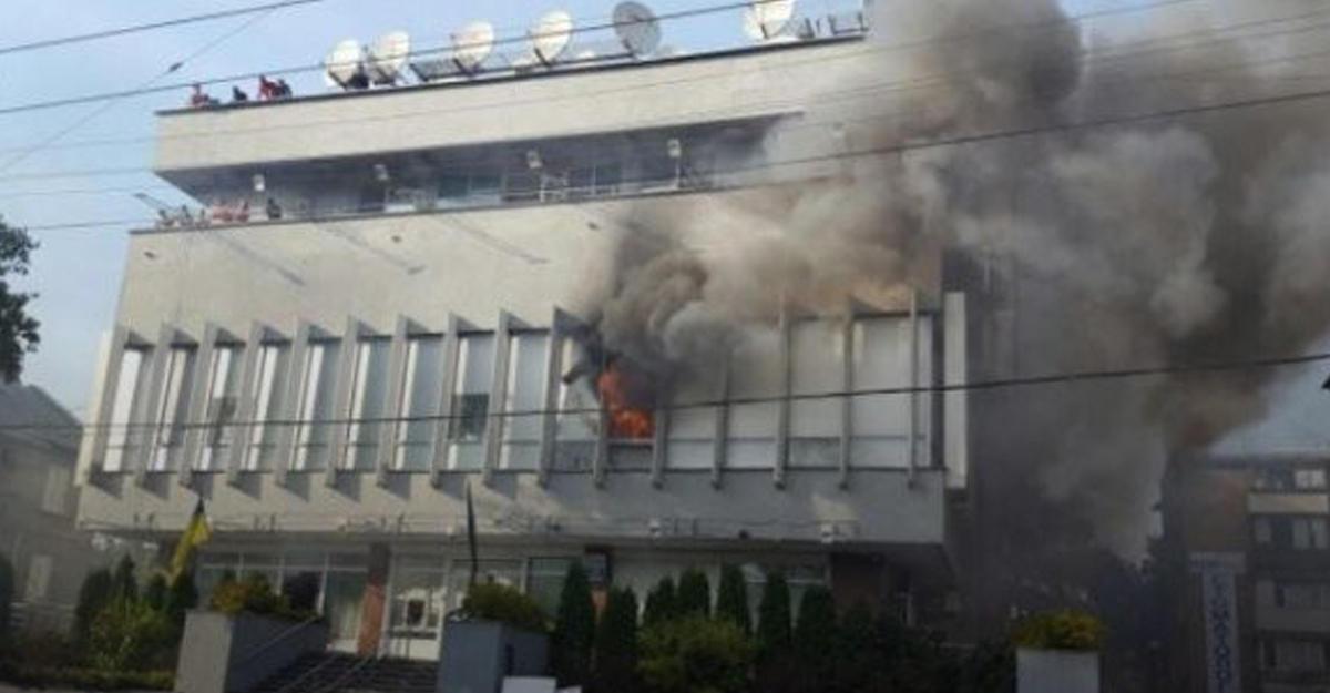 Пожар вофисе «Интера»: милиция изъяла материалы скамер видеонаблюдения
