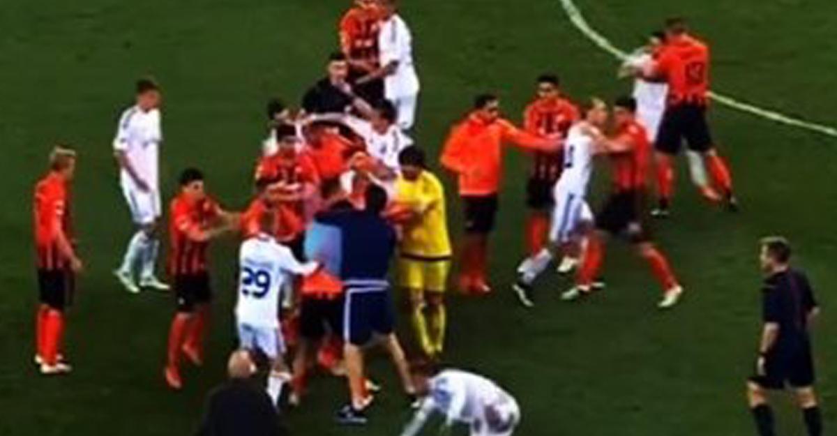 ВХмельницком милиция применила газ, чтобы разнять дерущихся футболистов