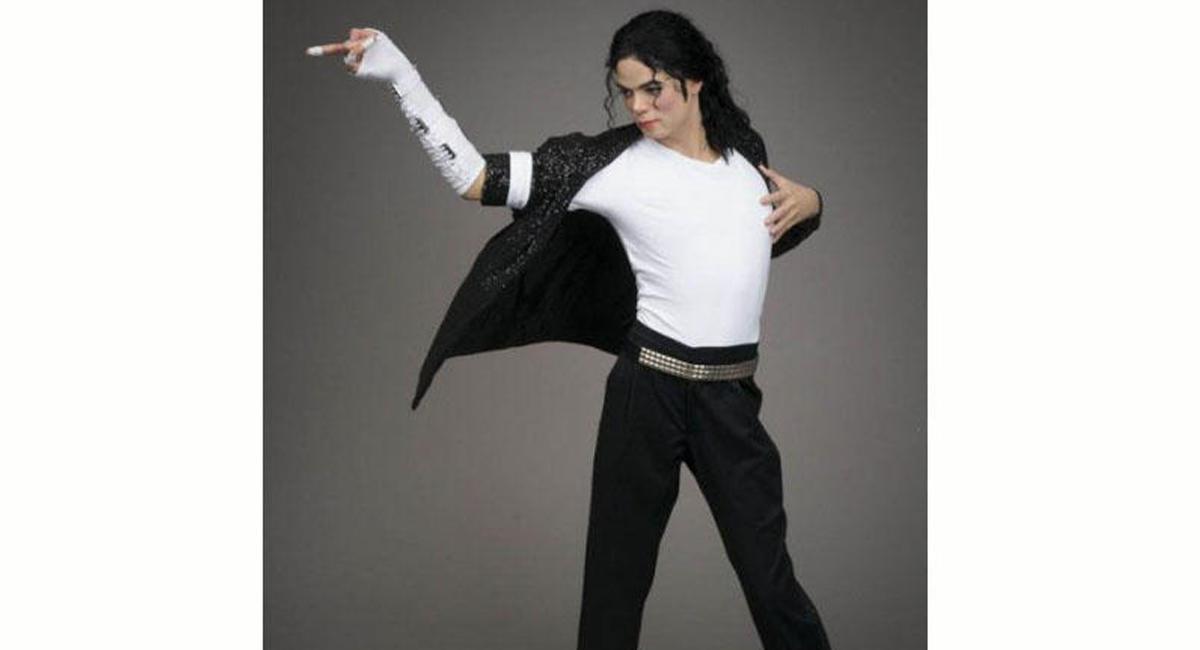 Живой Майкл Джексон сделал селфи сдочерью— Слухи